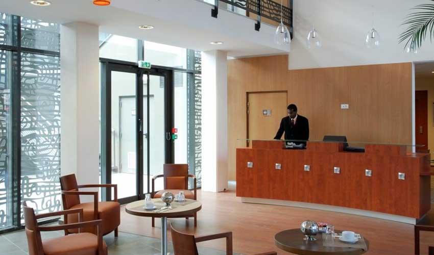 Personnel attentif dans les hôtels Pierre & Vacances