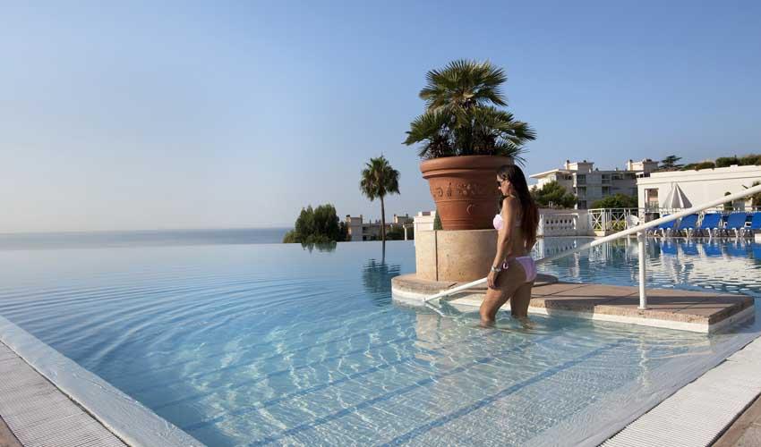 Pierre & Vacances : hôtels avec piscine en promo