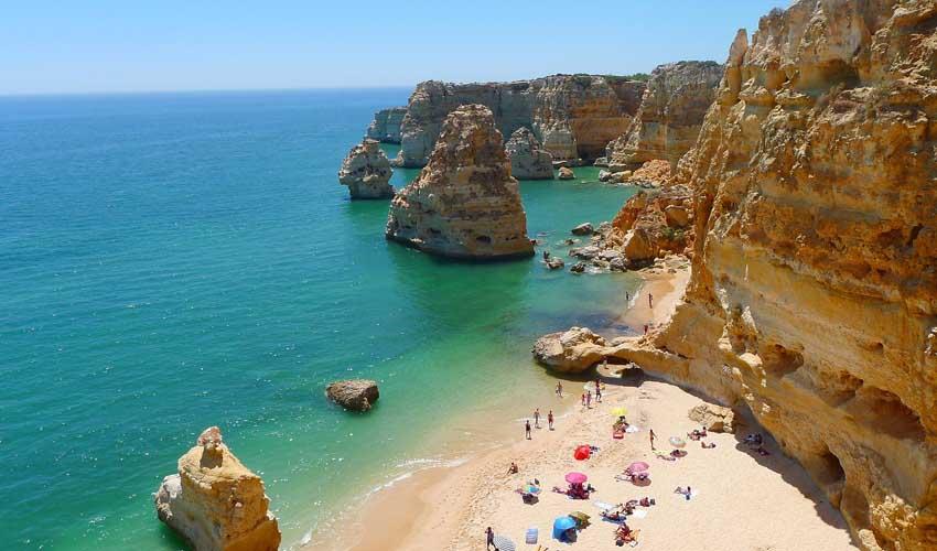 Odalys-Vacances au Portugal, les plages de l'Algarve.
