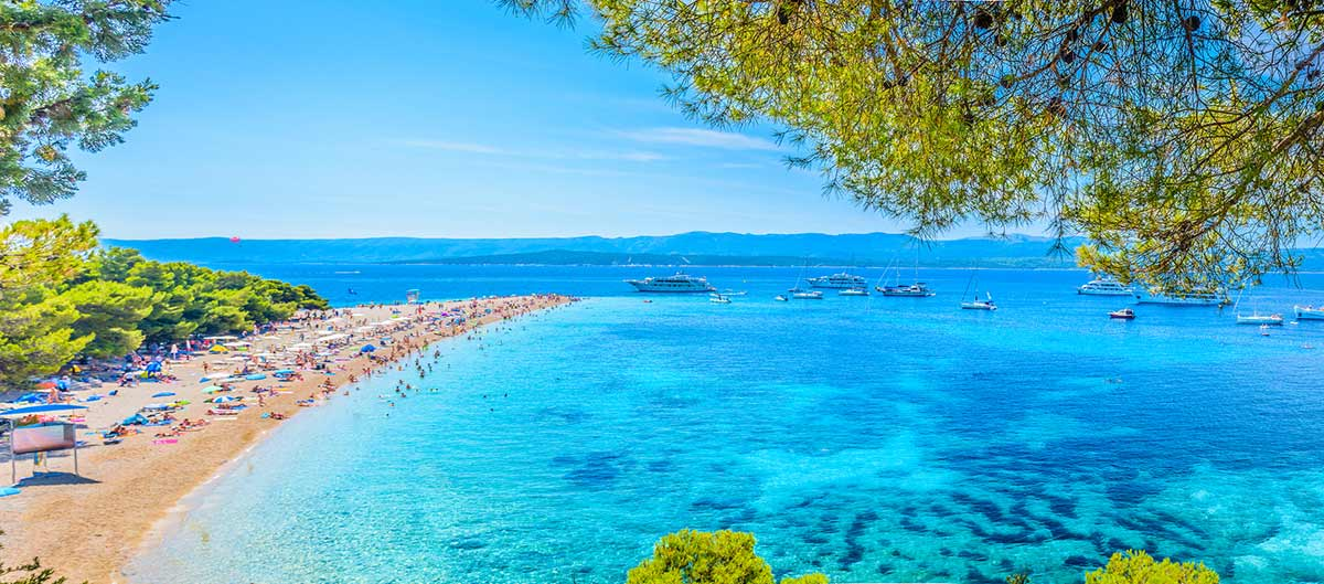 Plage Zlatni Rat de Brac en Croatie