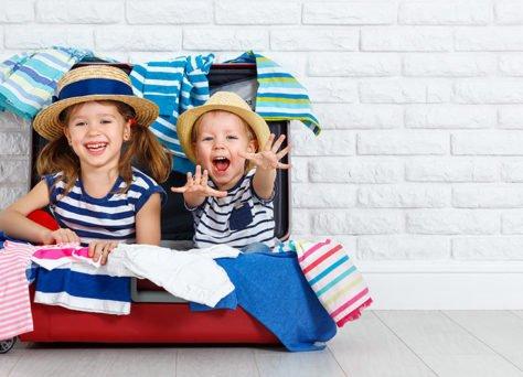 Vacances en famille : nos astuces pour partir léger