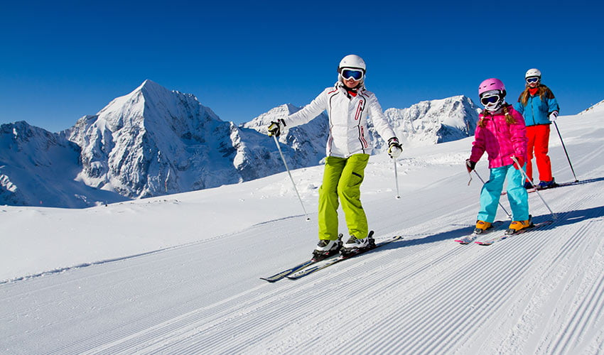 Partir au ski en famille