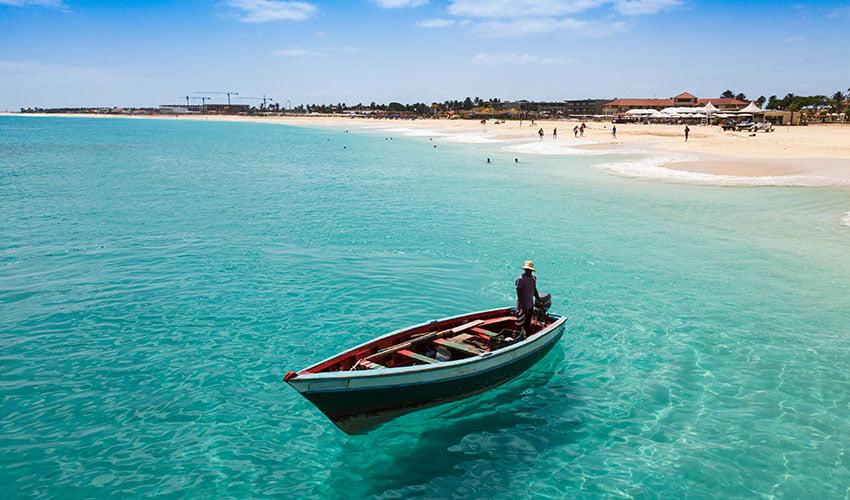 Les eaux turquoise de Boa Vista au Cap Vert