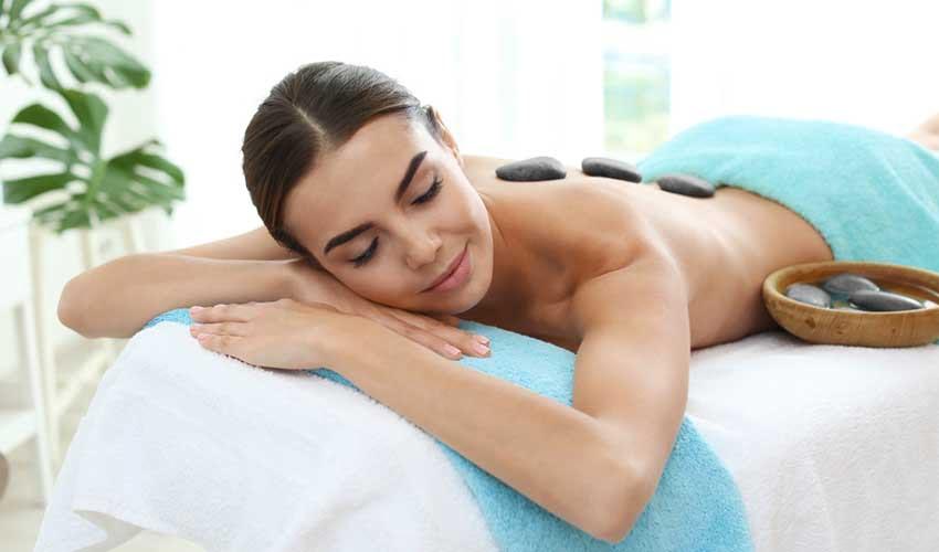 Massage pierre chaude en club Framissima