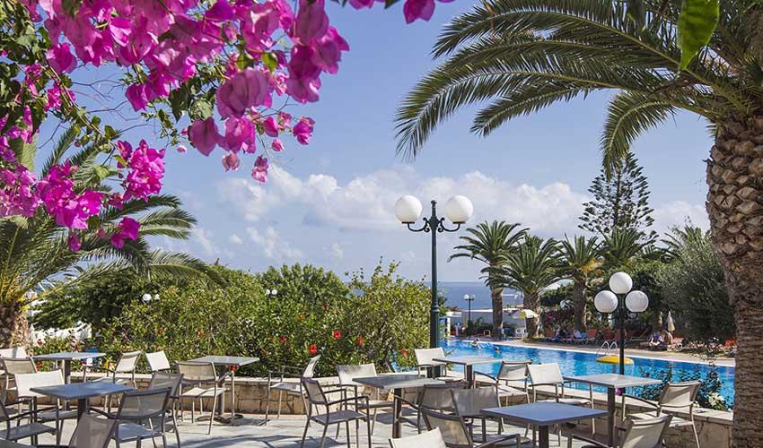 Suneo club Amoudia en Crête : face à la mer