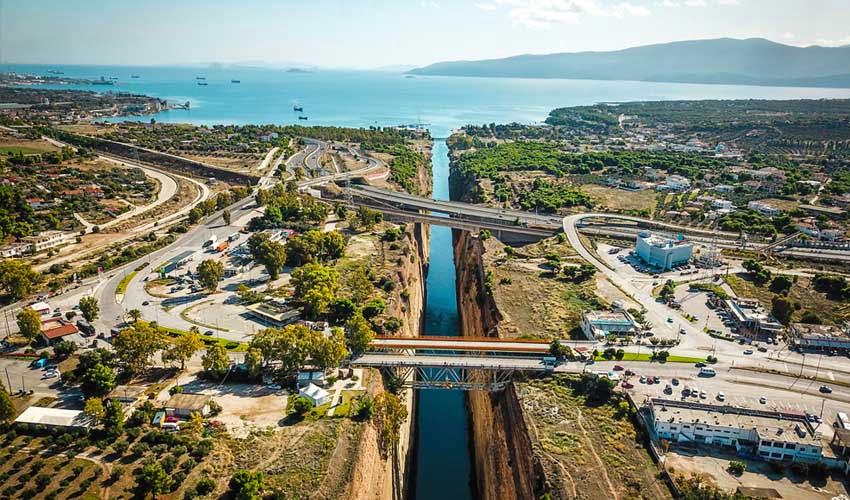 Visiter Corinthe en Grèce avec Héliades