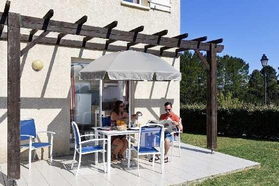 Club vacances Odalys-Vacances - Hauts de Salavas : terrasse