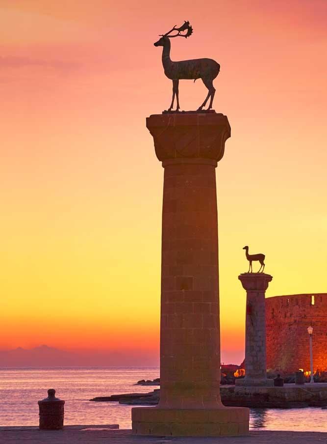 Le port de Rhodes en Grèce