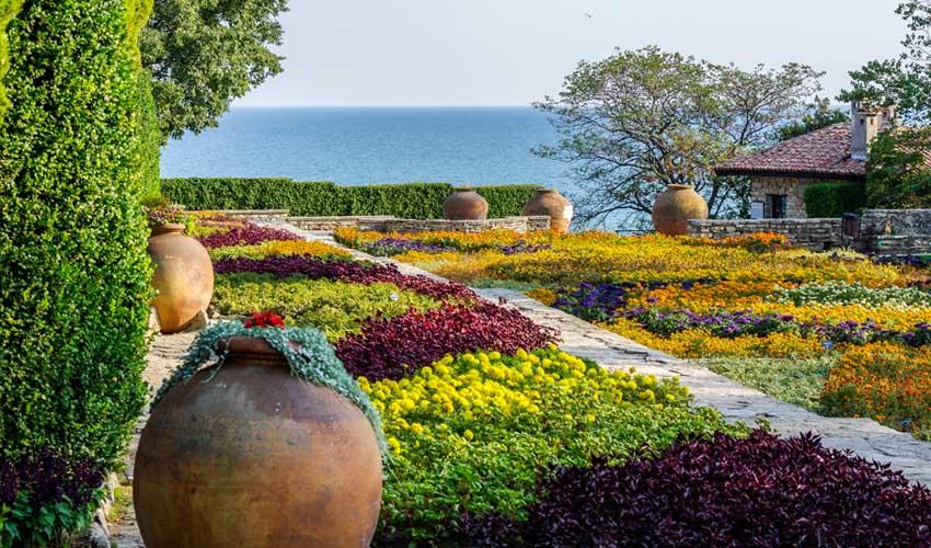 Bulgarie Top a ne pas manquer palais de Balchik jardins avec vue sur mer morte