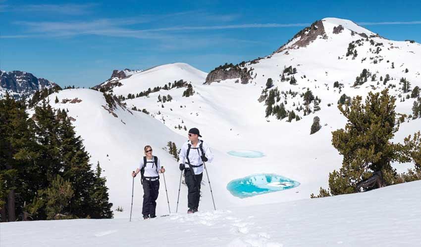 Vacances MMV à la montagne : des raquettes en hiver