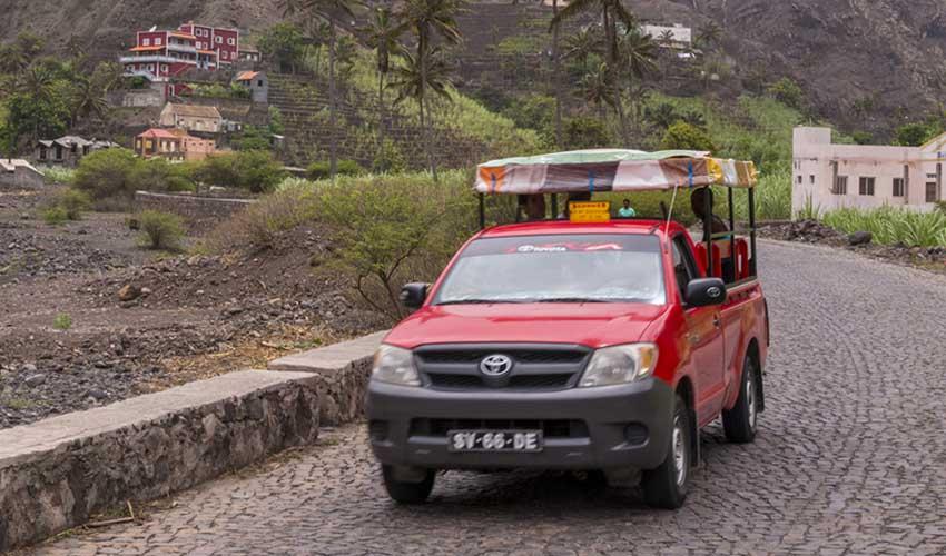 cap vert pas cher mini bus aluguers pick up rouge village santo antao