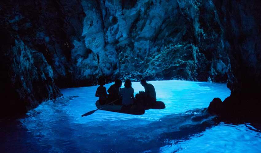 CROATIE TOP PAS MANQUER Grotte bleue Cave Bisefo