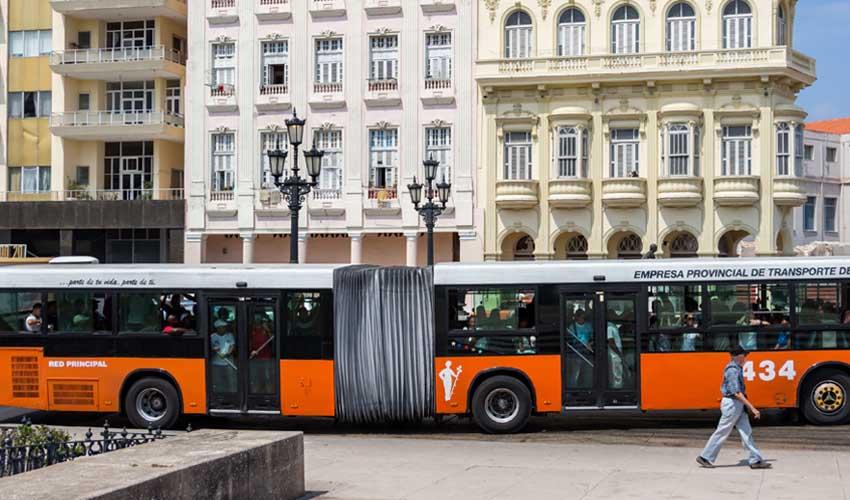 cuba bus transports communs la havane rue