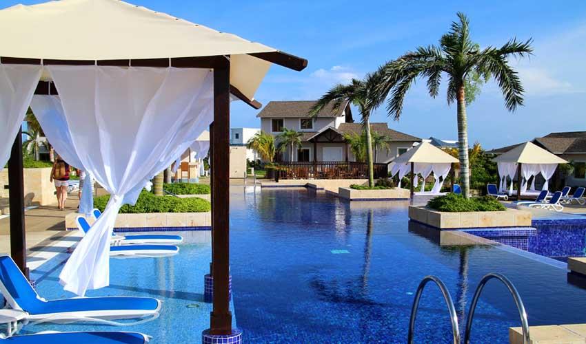 cuba pas cher all inclusive hotel avec piscine et transat