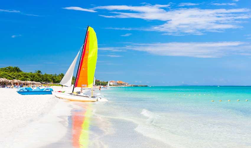 cuba varadero plage de sable blanc bateau