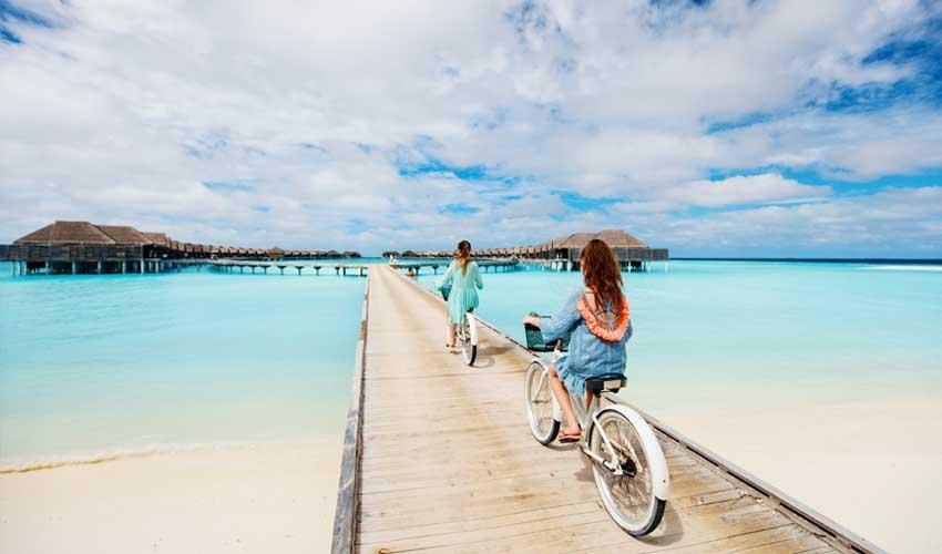 expedia agence vols hotels ados velos sur maisons maldives pilotis