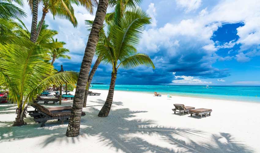 ile maurice pas manquer plage du trou aux biches transat sable blanc