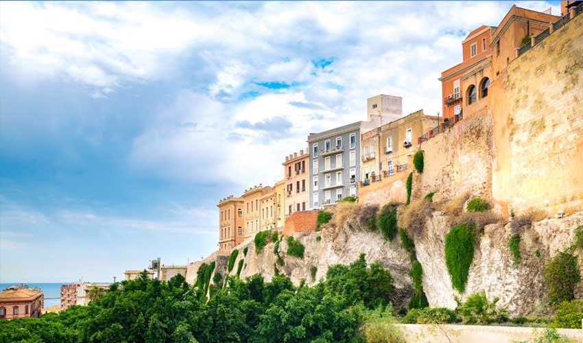 italie pas manquer cagliari sardaigne remparts de la vieille ville