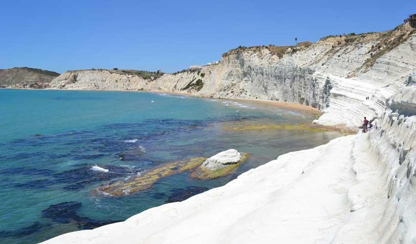 italie pas manquer scala del turchi roche blanche et eau turquoise plage