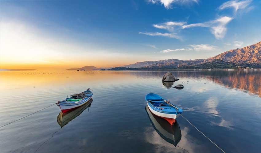 turquie pas manquer lac bafa avec bateaux