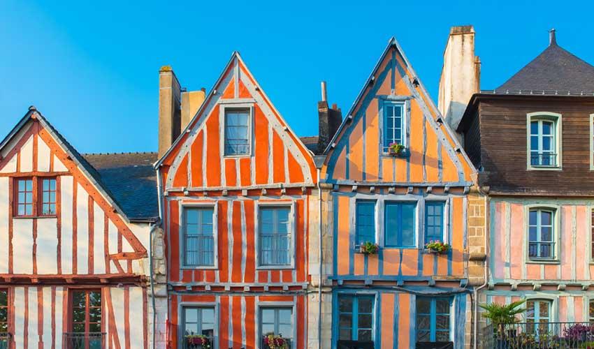 Vacanciel Vacances campagne region nord ouest maisons colorees à colombages