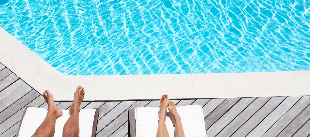 Vacanciel hebergements locations ou hotel piscine avec pieds adultes piscine image principale