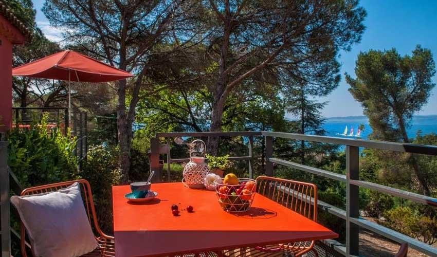 Miléade vacances en mediterranee les issambres vue balcon