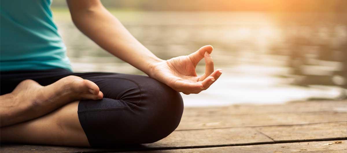 Vacanciel vacances sport et zen pose de yoga lotus detente