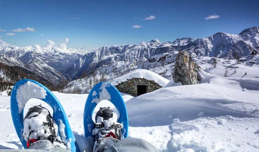 nemea vacances ski raquettes avec vue sur montagne