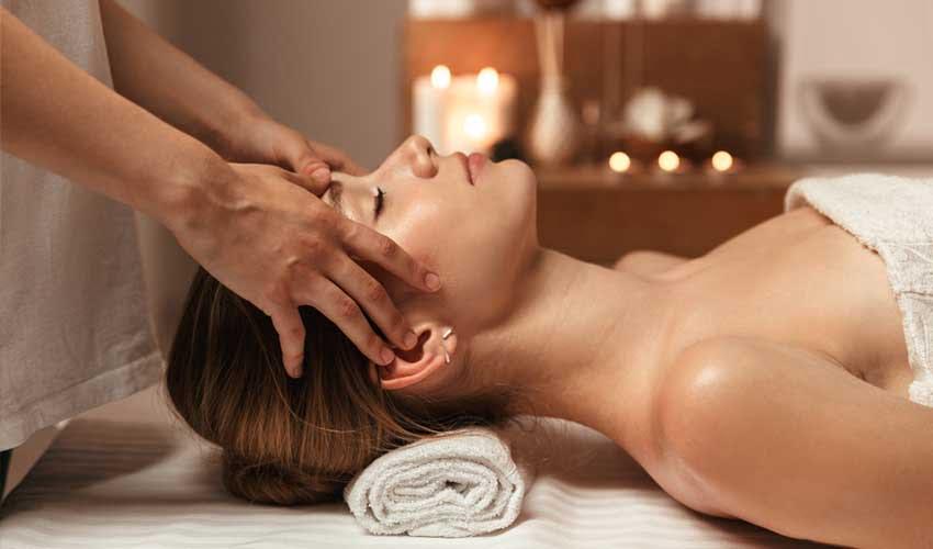 vvf villages vacances club essentiel les terres d'aubrac spa soins forfaits massages femme