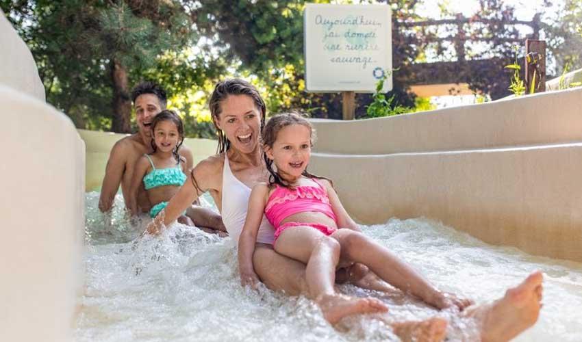 center parcs detente et sport aqua mundo lac ailette famille dans toboggans