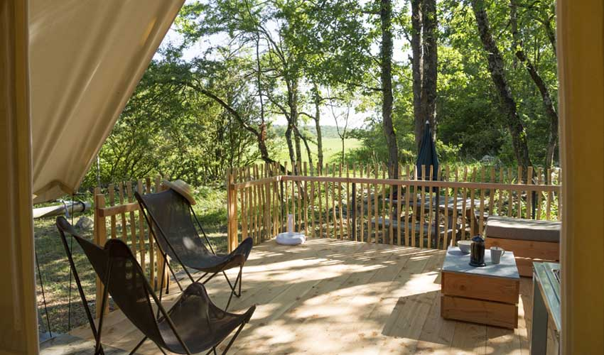 huttopia avis sud ardeche village terrasse tente trappeur confort et nature