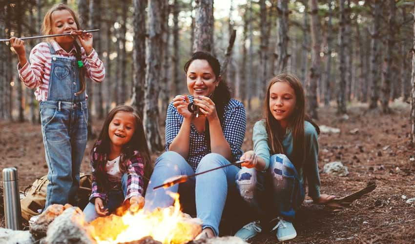 huttopia vacances avec enfants en villages feu de camps