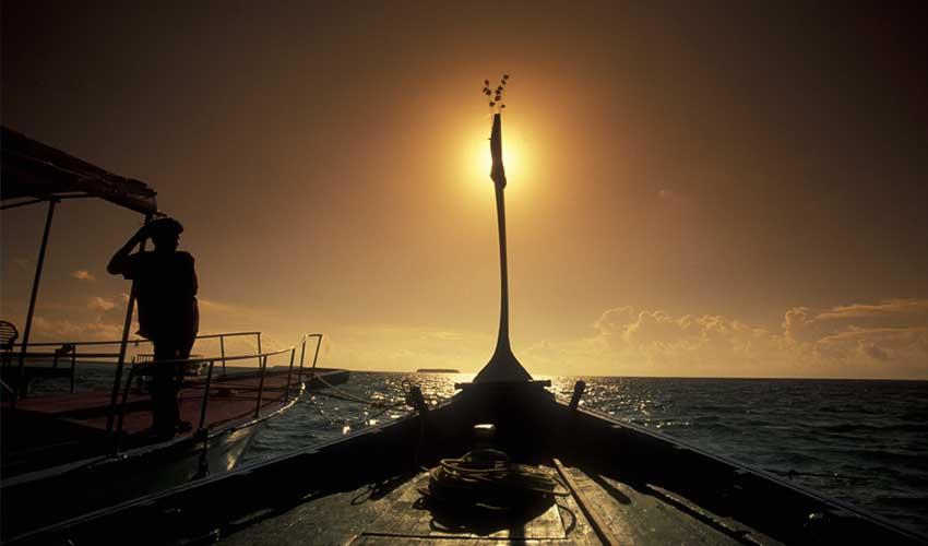maldives a faire peche nocturne dhoni