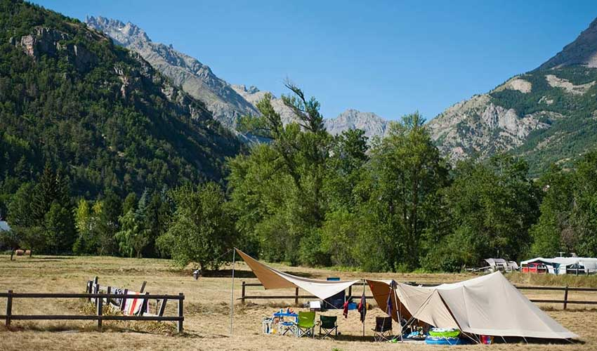 huttopia les campings emplacement montagne