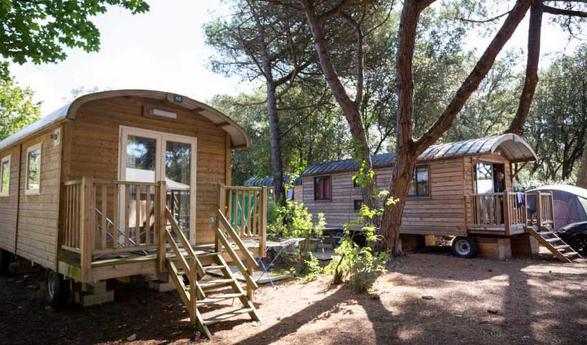 huttopia les campings roulottes