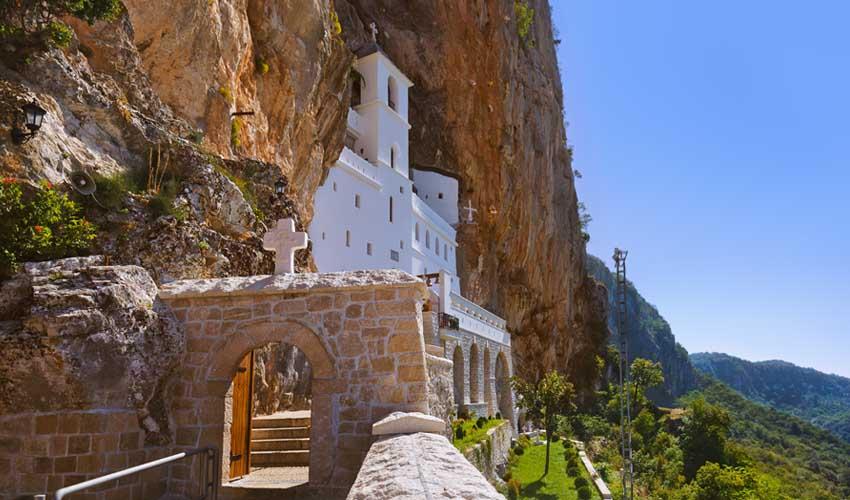 montenegro a faire monastere ostrog