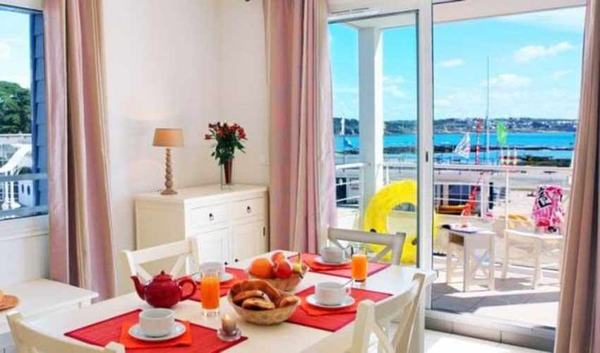 Résidence Nemea avec vue sur la plage et le petit déjeuner servi
