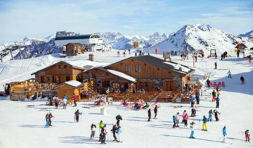 travelski location en groupe les menuires station pistes de ski