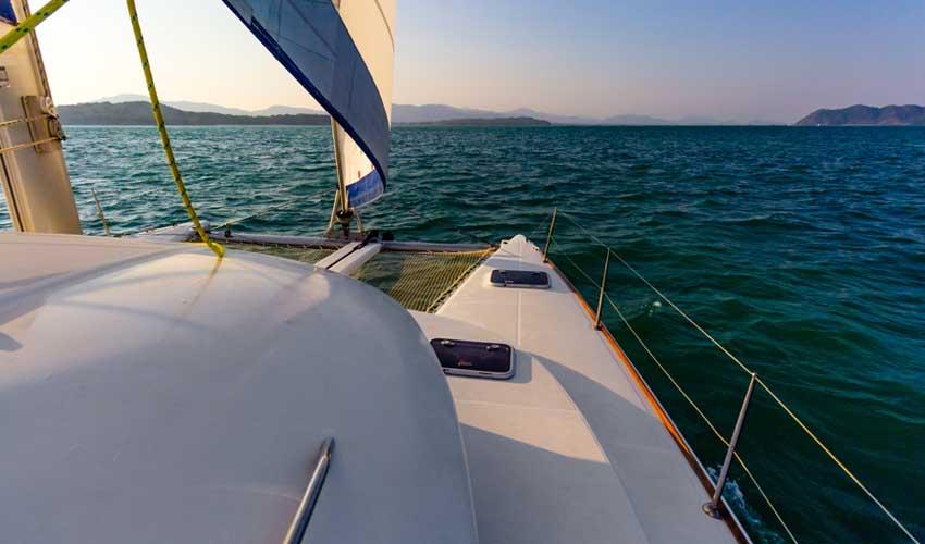 costa brava a faire catamaran depuis rosas au cap de creus
