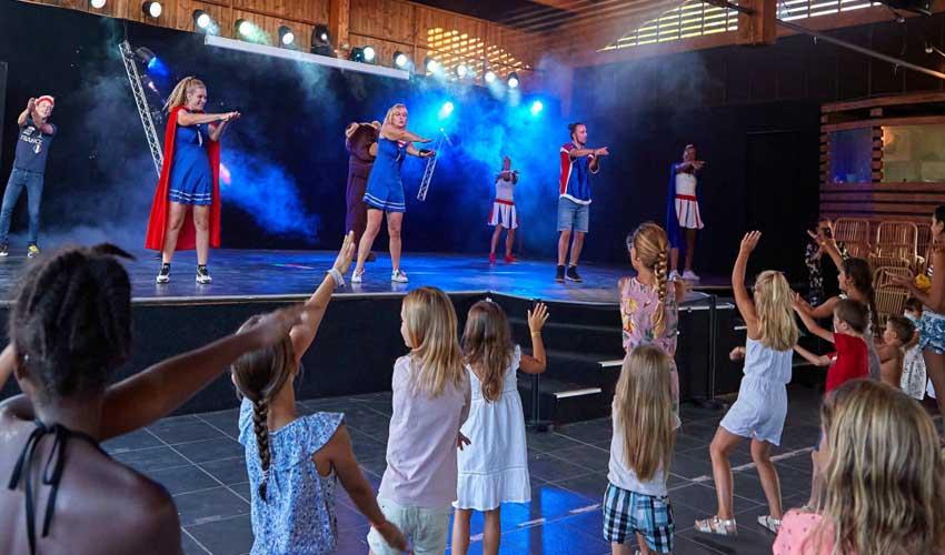 campings tohapi clubs amac spectacle club enfant