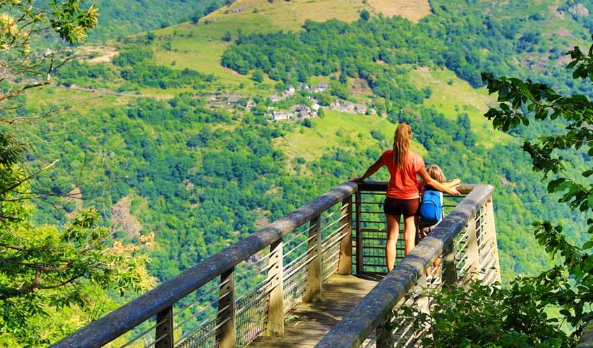 campings tohapi vacances a la montagne randonnées aveyron sentiers