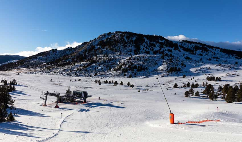 Station skiable près du village Huttopia Font-Romeu