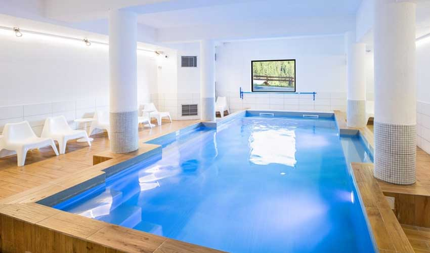 sowell les avis piscine hotel valfrejus activites et equipements