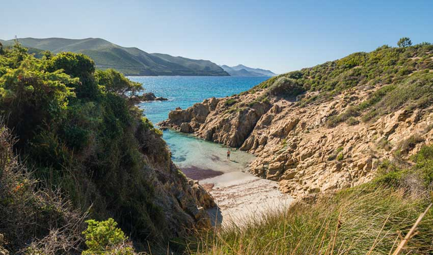 top sejours club Les Hameaux de Capra Scorsa vue sur crique en balagne