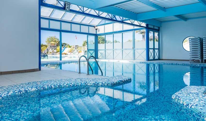 homair campings piscine couverte le domaine de clarys piscine couverte
