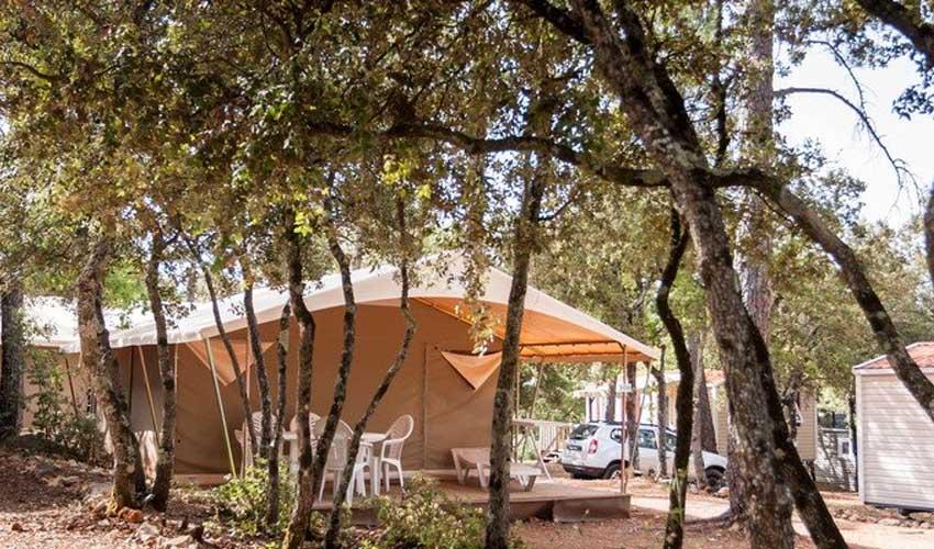 homair campings piscine couverte les lacs du verdon lodge