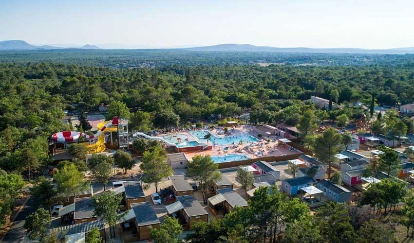 homair campings piscine couverte les lacs du verdon vue aerienne