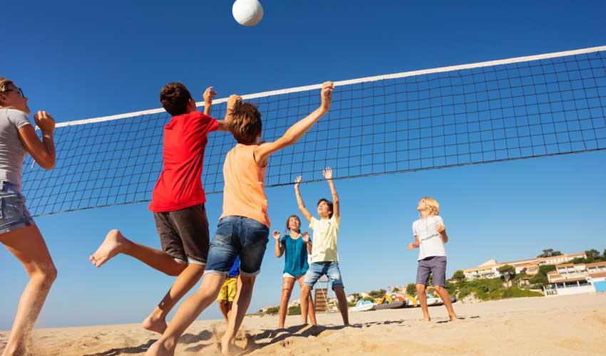 homair les avis ado jouant au beach volly
