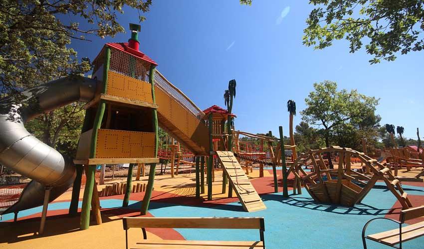 homair visiter provence les lacs du Verdon aire de jeux enfants